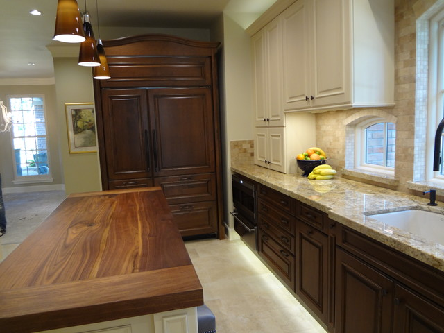 Kitchen by Maggie Grants - Traditional - Kitchen - houston - by Cabinets & Designs