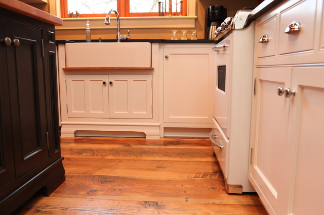 Traditional kitchen cabinets in Wesley Ellen timber-frame showroom. traditional-kitchen