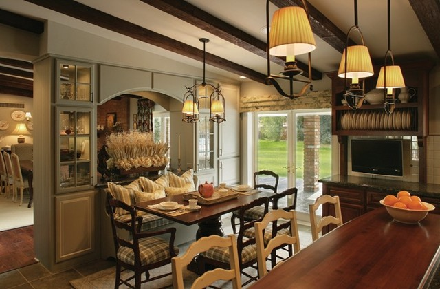 traditional kitchen by Ernesto Garcia Interior Design, LLC