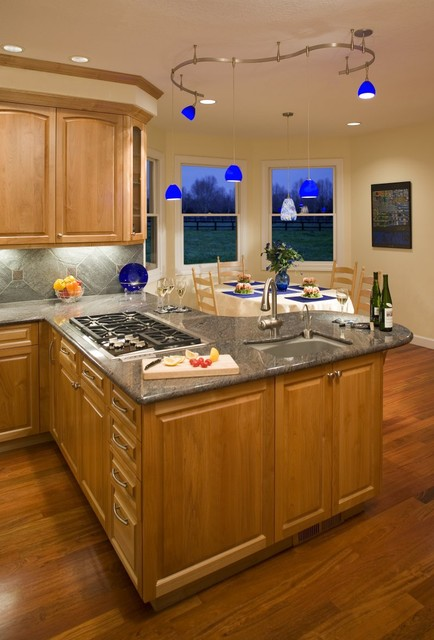 Traditional Kitchen For A Family That Cooks Together traditional-kitchen