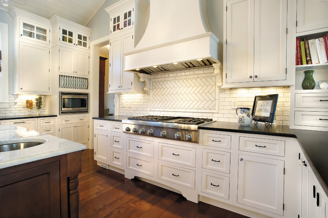 StarMark Cabinetry Kitchen in Maple finished in Marshmallow Cream traditional-kitchen