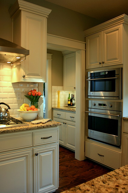 Janell Beals traditional-kitchen