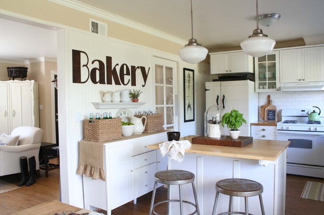 kitchen - bakery wall traditional-kitchen
