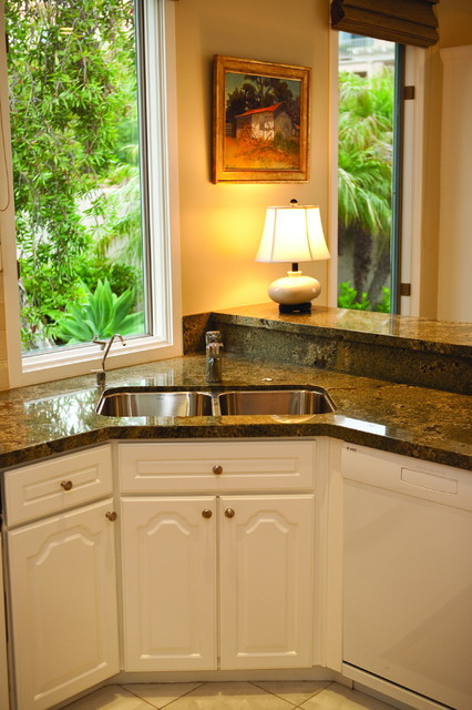 Kitchen With Corner Sink : Corner Kitchen Sink traditional-kitchen