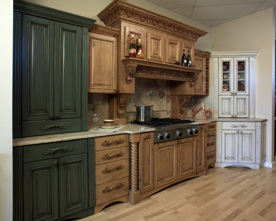 48 Traditional Kitchen Pantry Design Photos with Distressed Cabinets