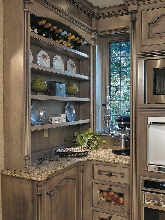 Distressed cream cabinets brown walls home design ideas - Cream distressed kitchen cabinets ...