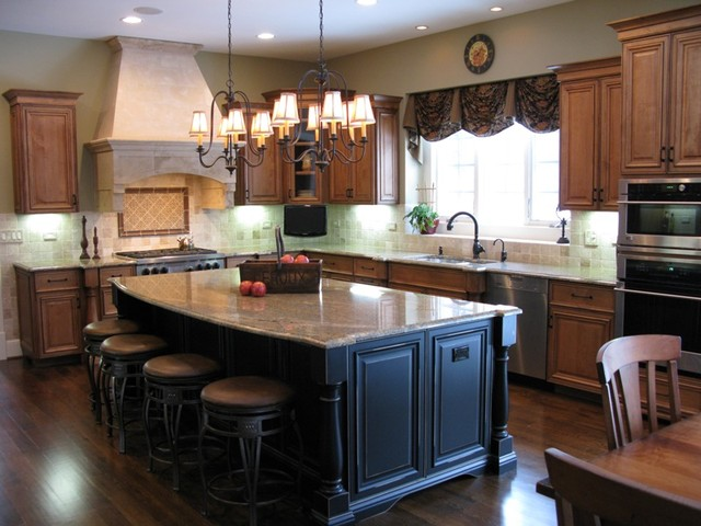 New Construction - Oak Brook traditional kitchen