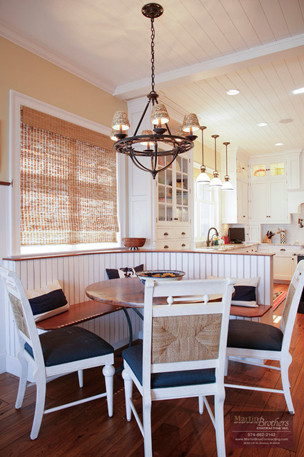 Built-in Banquette - Traditional - Kitchen - chicago - by ...