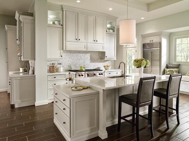 Decora Braydon Manor Kitchen - Traditional - Kitchen - other metro - by MasterBrand Cabinets, Inc.