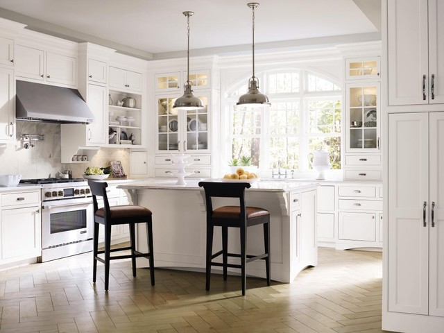 Decorá Cabinetry: Prescott Beaded Inset Maple White traditional-kitchen