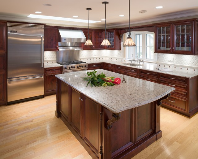 Traditional kitchen or country kitchen traditional for Pics of traditional kitchens
