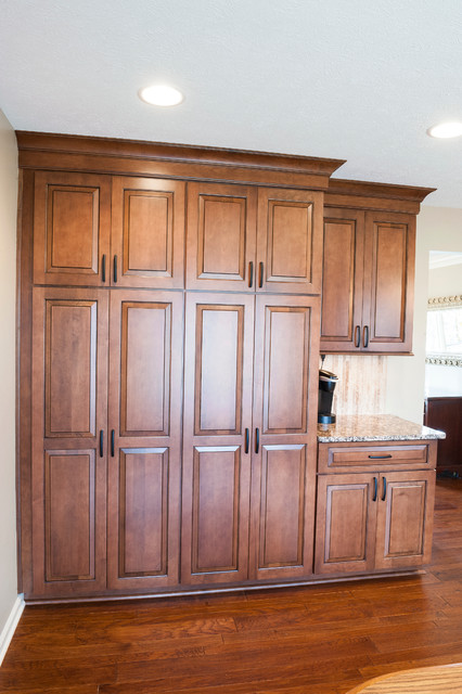 Traditional Kitchen Pantry Cabinets