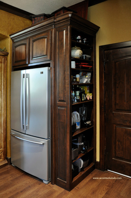Traditional Kitchen Pantry Ideas - Traditional - Kitchen ...