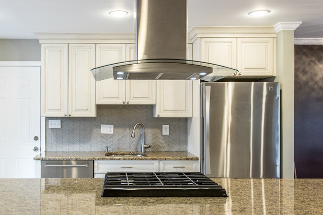 Traditional Kitchen Remodel Gaithersburg Md By Reico Kitchen Bath Traditional Kitchen