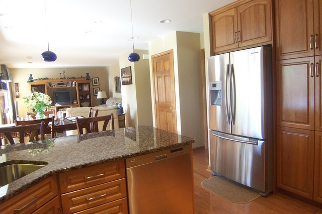 Traditional Kitchen Remodel in Forest Park, OH