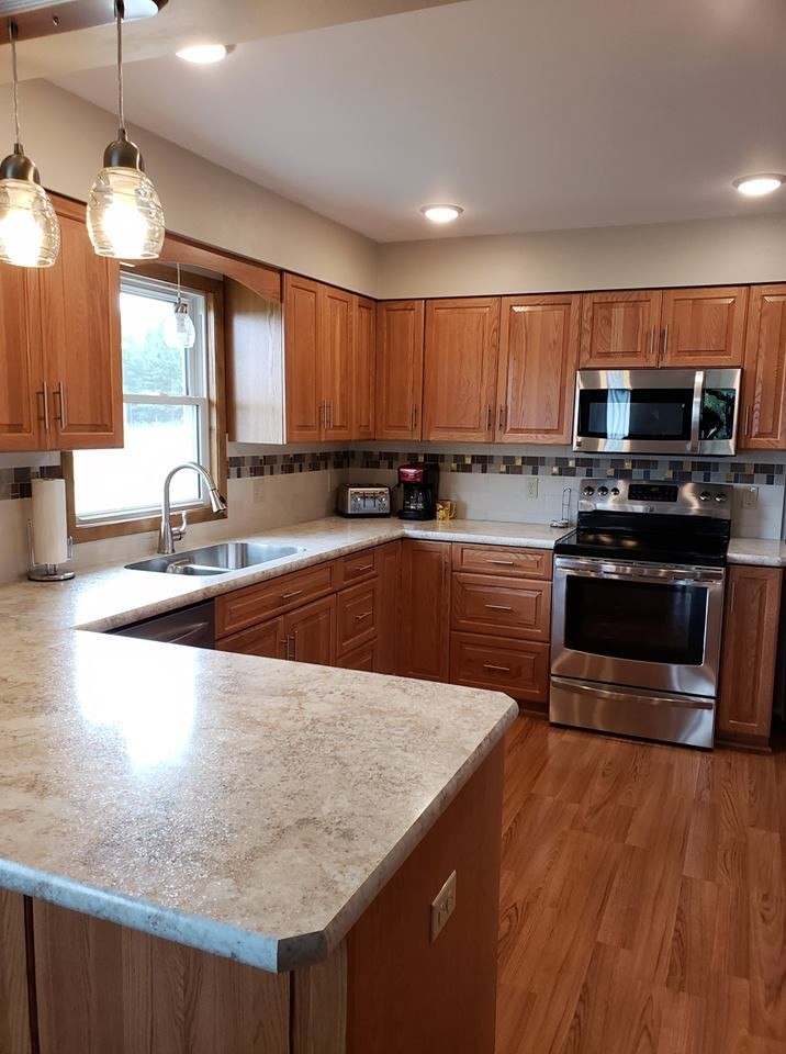 Traditional Kitchen Remodel With New Oak Cabinets Traditional Kitchen Other By Kitchen Solvers La Crosse