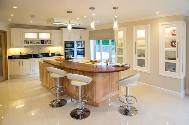 Groovy Traditional Kitchen With Bar Stools Transitional Kitchen Pdpeps Interior Chair Design Pdpepsorg