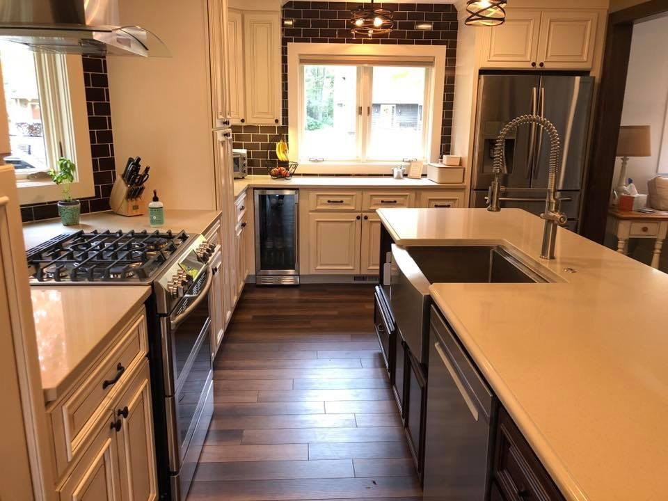 Traditional Kitchen with Brown Kitchen