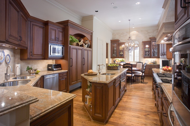 Traditional kitchen with large island traditional for Kitchen island houston
