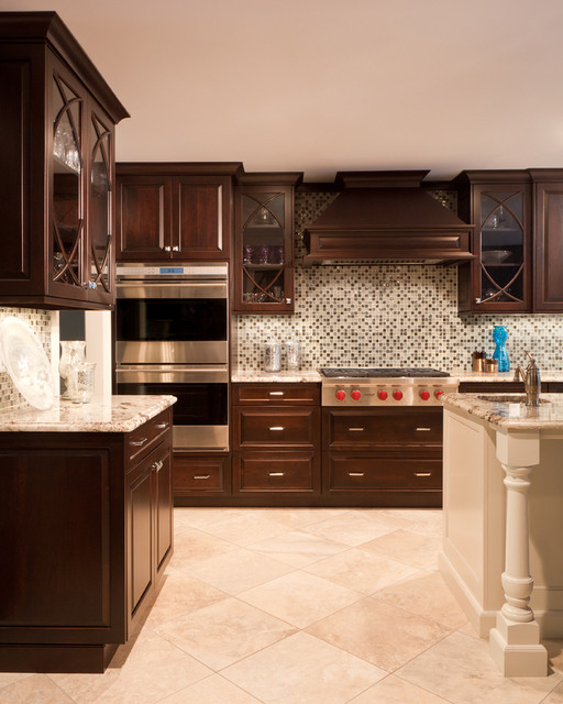 Traditional kitchen with rich wood tones traditional-kitchen