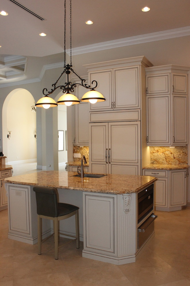 Traditional Kitchens - Traditional - Kitchen - Miami - by ...