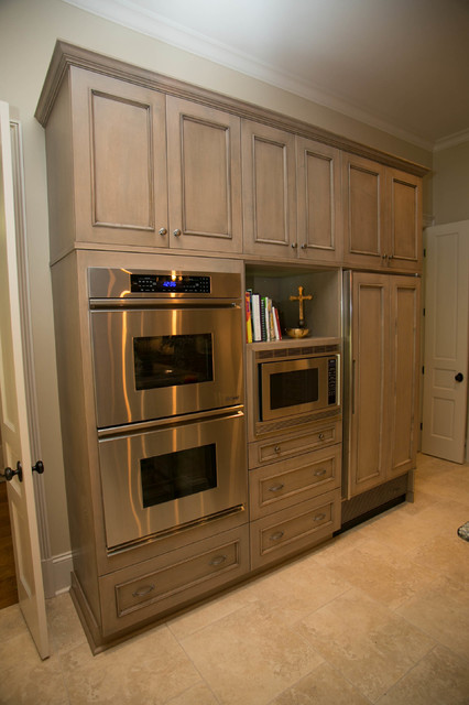 Traditional lake shore traditional kitchen new for Kitchen cabinets new orleans