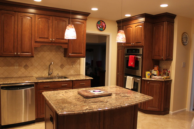 Traditional Long Island Kitchen traditional-kitchen