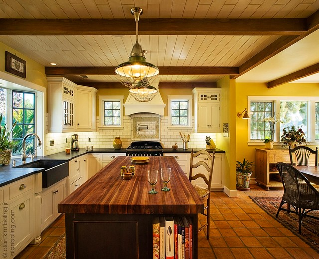 Traditional luxury kitchen traditional kitchen santa for Traditional luxury kitchen