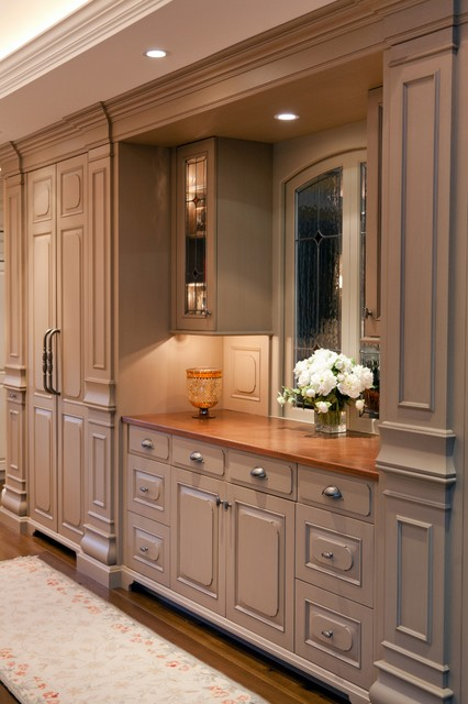 Traditional Manor Traditional Kitchen Boston By Roomscapes Luxury Design Center