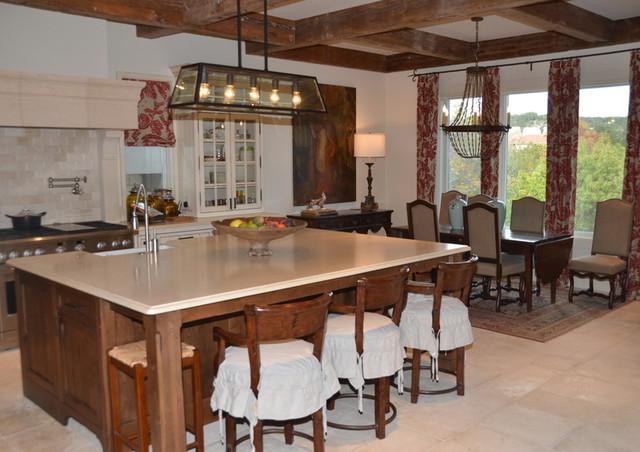 Traditional Marina Condo traditional-kitchen