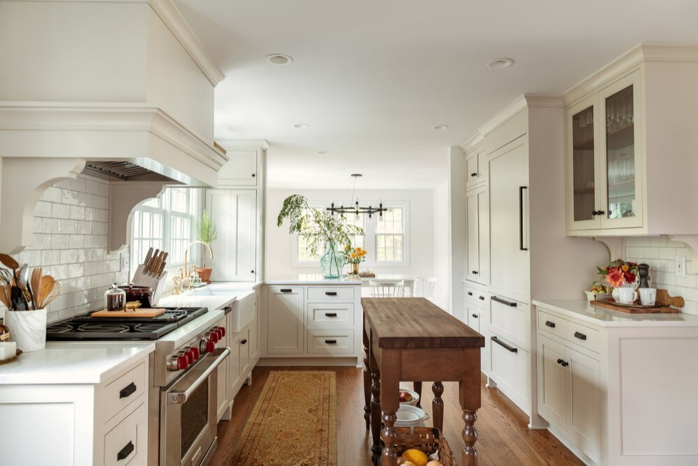 Traditional Modern Kitchen with a Beaded Inset Design
