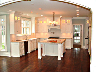 Traditional modular kitchen in greenwich ct traditional for Traditional modular kitchen