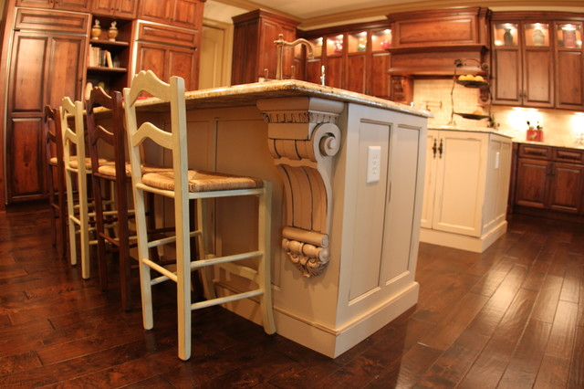 Traditional paint/stain kitchen traditional-kitchen-islands-and-kitchen-carts