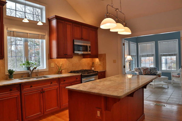 Traditional real estate staging in north chelmsford ma for Kitchen ideas real estate