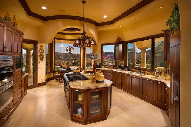 Traditional Royal Stone & Tile Kitchen in Brentwood, CA ...