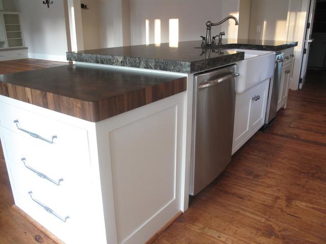 Traditional Southern Style farmhouse-kitchen
