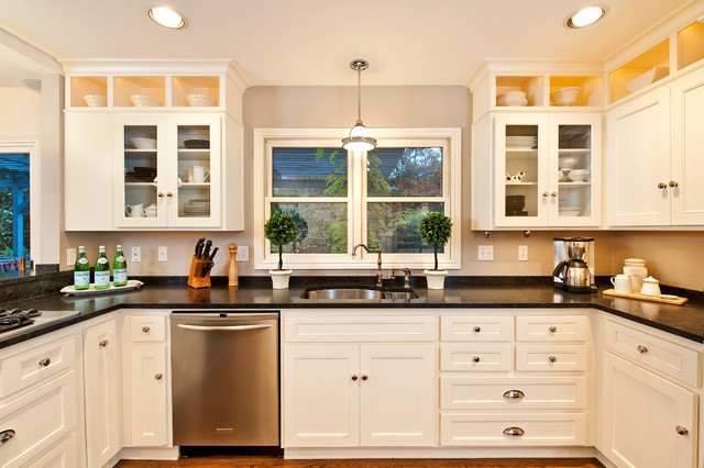 Traditional White Kitchen - Traditional - Kitchen - Portland - by ...