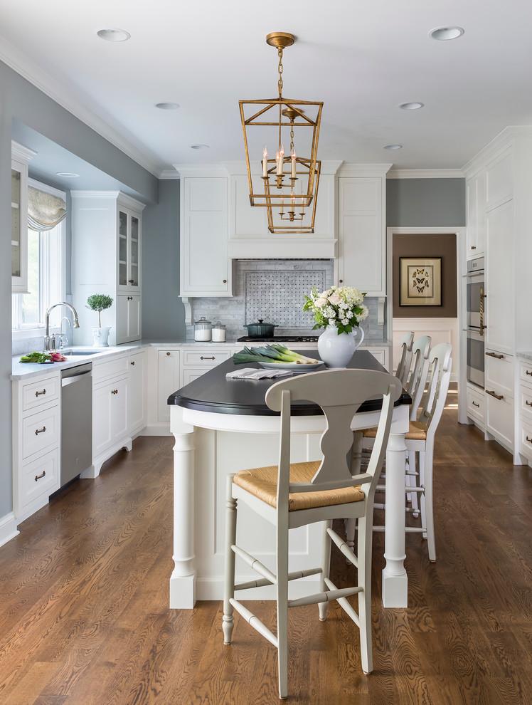 Traditional Kitchen Designs: Traditional White Kitchen