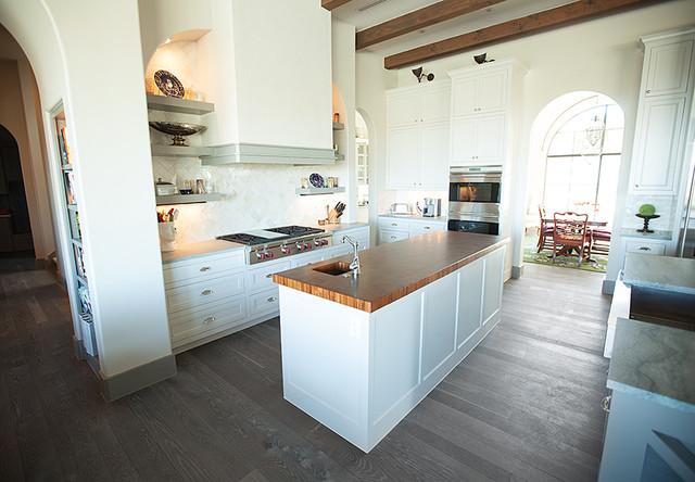 Traditional White Kitchen Grey Floor White Oak
