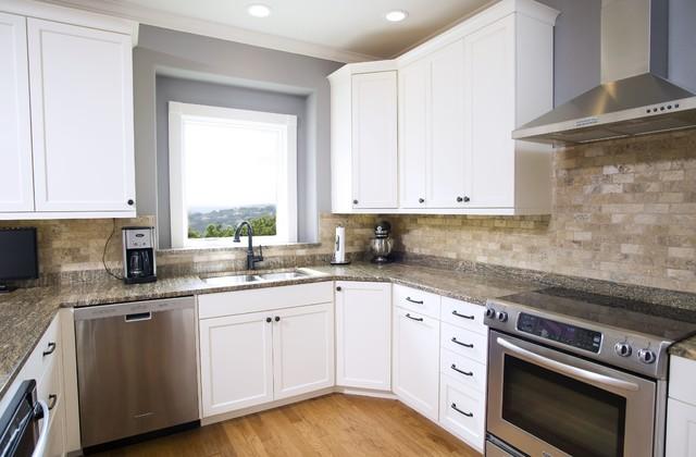Traditional White with Stone Backsplash Kitchen ...