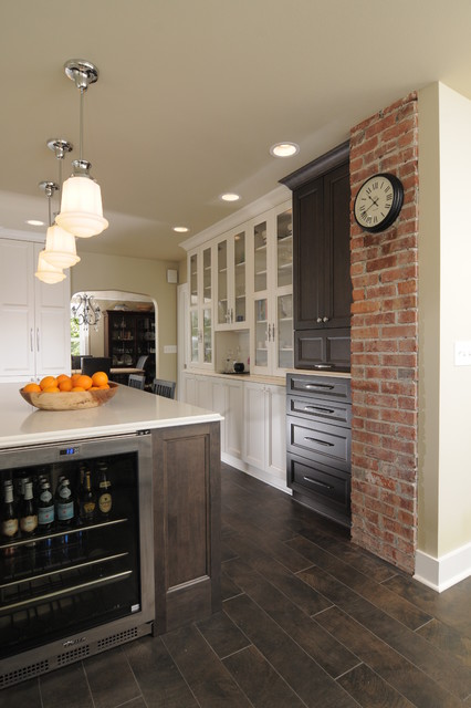 Traditionally elegant traditional kitchen seattle for Elegant traditional kitchens