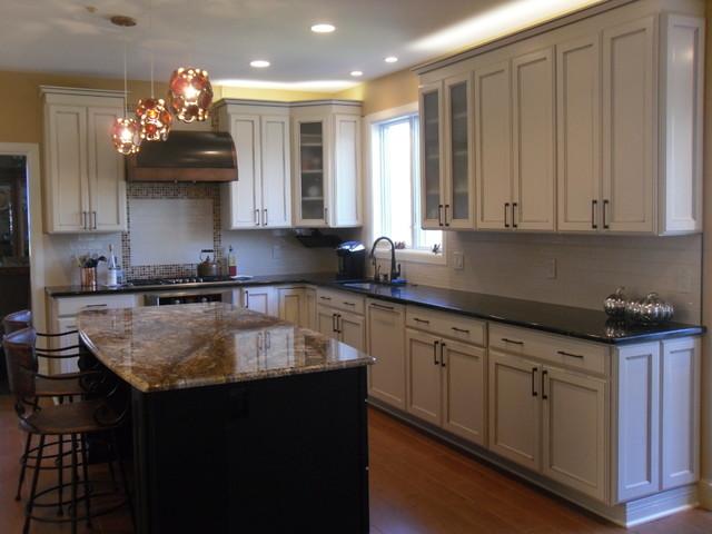 Transitional bi color kitchen in mclean va transitional for Bi color kitchen cabinets