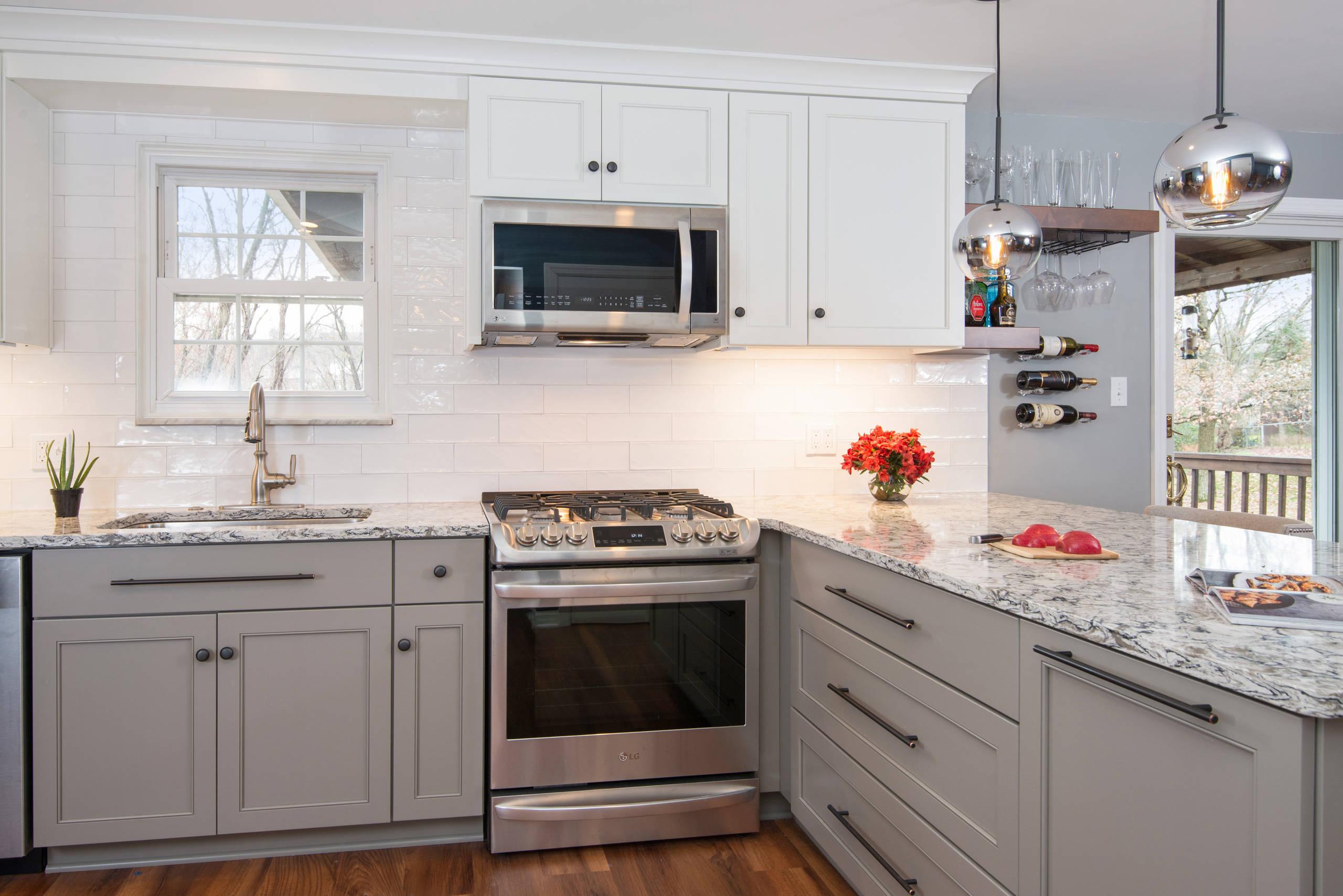 Transitional-Chic Kitchen