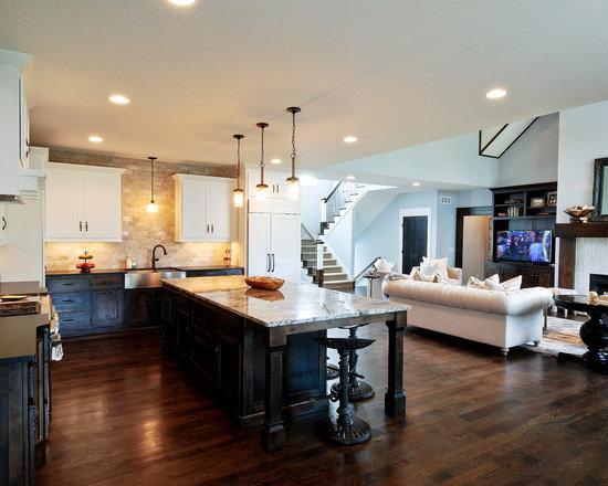 White Appliances, Beige Backsplash, White Cabinets, Shaker Cabinets