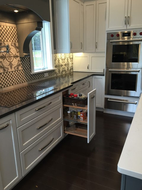 Transitional Kitchen In Toledo Oh