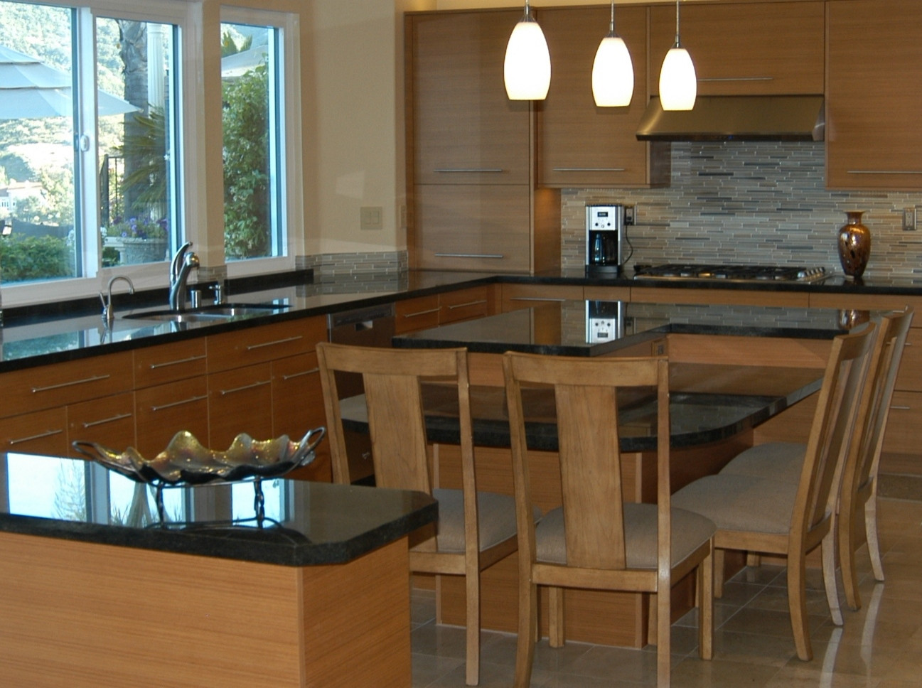 Transitional Kitchen in Woodland Hills