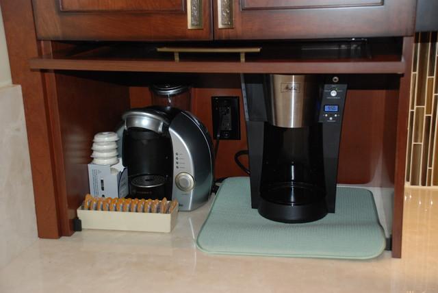 Transitional Kitchen traditional-kitchen