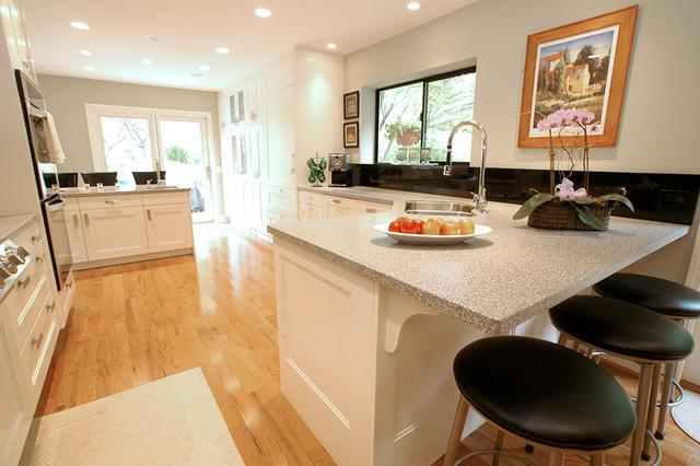 Transitional kitchen space in santa cruz ca for Kitchen design 14x14