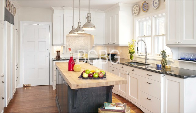 Transitional kitchen style transitional montreal by for Cuisine bcbg