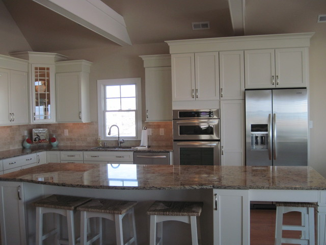 Transitional Maple Chiffon Kitchen Kitchen